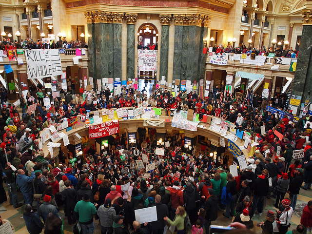 Оккупированный парламент штата Висконсин (США).