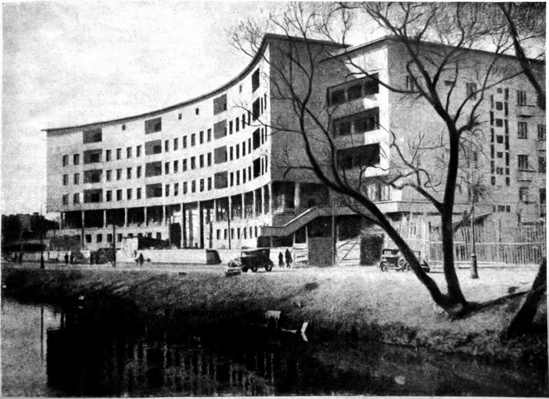 Дом на Карповке архитектора Е. Левинсона.