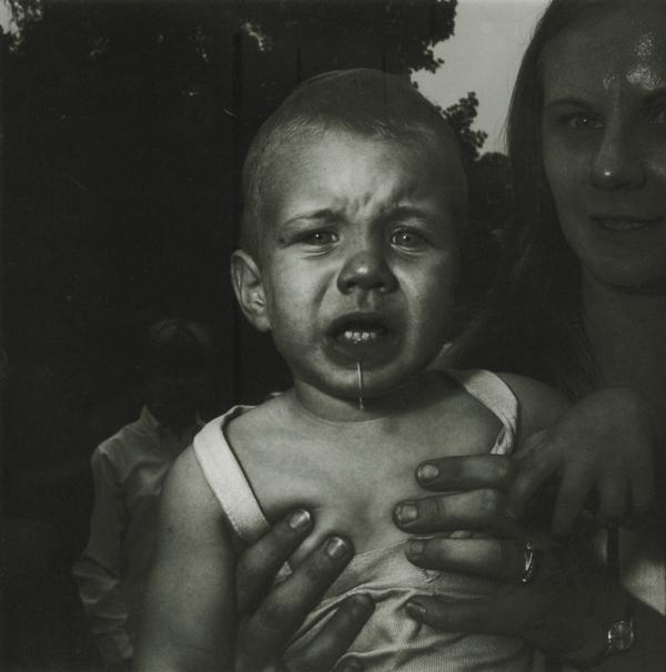 Диана Арбус. Плачущий ребенок, 1967.