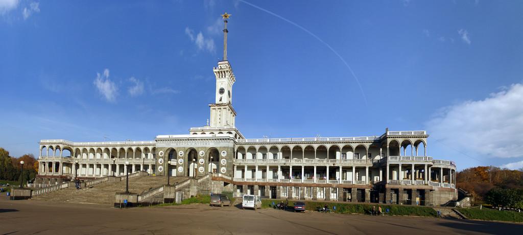 Северный речной вокзал в Москве, архитекторы Кринский и Рухлядев.