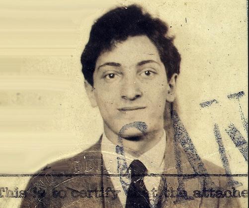 Молодой Мейер Шапиро. Фотография на паспорт.