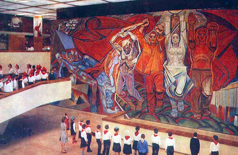 «Эстафета» Музей Молодой Гвардии в Краснодоне; авторы: А. Горская, В. Зарецкий, Б. Плаксий, (В. Смирнов)